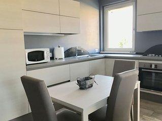Luxurios Wohnung in einer ruhigen Gegend, 6 km von Garda entfernt. KLIMAANLAGE