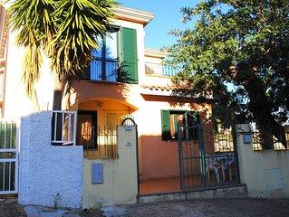 Casa indipendente con cortile privato e terrazza a 150 m dal mare