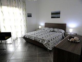 A 2 passi dal centro storico,a 10 minuti dal mare,delizioso appartamento a Noto.