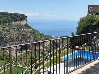 Villa Amì, Relais con vista sul mare, su RAVELLO e ATRANI.(Villa completa)