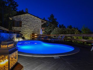 VillaSubasioRelax, villa panoramica con piscina ,parco naturale, Spello, Assisi
