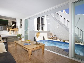 The Beach House with Private Pool, Stunning Sandy Beach Location, Rooftop views