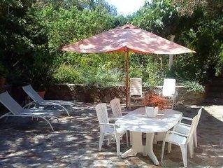 Appartement F2 50 M2 en rez de jardin de villa------------------