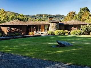 Luxury Windham Chalet with Spa/11 acre/15 sleeps