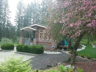 Cottage Near Downtown Spokane