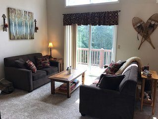 Cozy, 3 BR 2 bath across from Holiday Valley, free ski shuttle, 1 mile to town