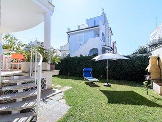 Cozy villa 100 metres from the sandy beach 12sleep with garden and barbecue