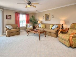Beautiful Condo by the BEACH-Large POOL, Elevator, PETS-3 Bdrm/2.5 Bath-Sleeps 6