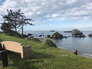 Oceanfront Home In Crescent City Near Redwoods