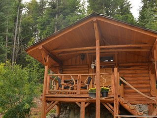 Blacktail Retreat - Log Cabin w/ Hot Tub - Sun Peaks/Heffley Lake