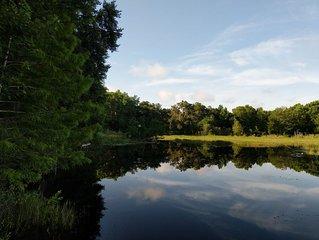 Cozy Lakefront Getaway