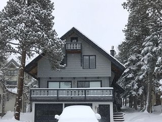 Charming & Cozy 3 Bedroom 3 Bath-Historic Area-Unparalleled Views-Ski Shuttle