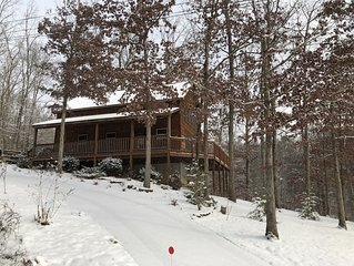 Beautiful 3 Bedroom 3 Bathroom cabin. Ask about Specials