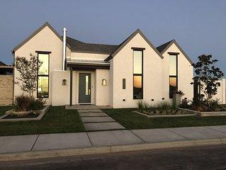 Vista Del Campo - Newer home in South Lubbock