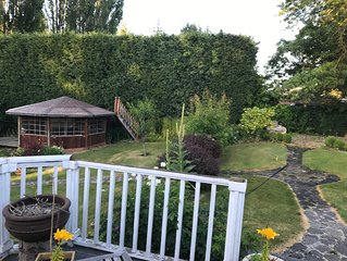 Beautiful Garden  House Come and relax in the garden listen to the birds
