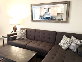 Stirling 101, Stylish Private Downtown Suite