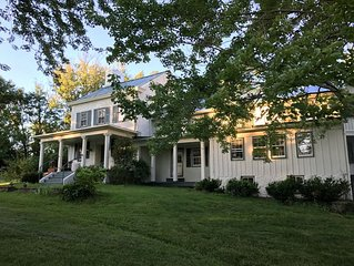 Hillandale Farmhouse circa 1774 - 6 bedrooms, sleeps 14, newly renovated