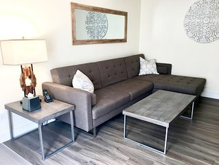 Stirling 104, Private Modern Downtown Suite