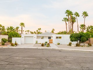 Updated Mid-Century Modern Classic in Beautiful Palm Springs