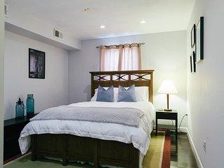 Balt-Amore!  Spacious 4 bedroom that sleeps 10 comfortably