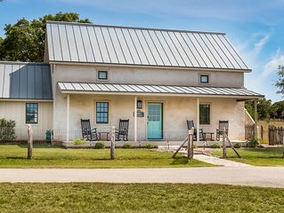 Legacy Ranch Guest Houses: just 8 minutes from Main St on private gated ranch