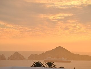 Stunning Cabo Arch Views! Special offer for snowbirds!