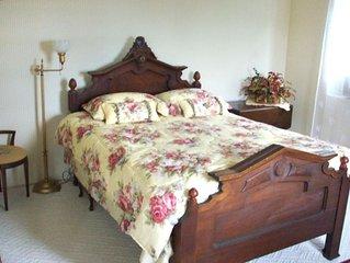Rose Room  sleeps 2 people, so cozy