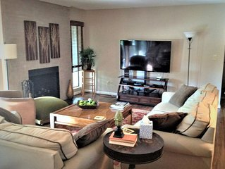 NEW LISTING!!  Cozy Condo Sleeps 6 with Golf course view of Course #5