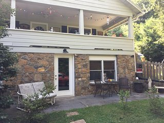 ** NEW LISTING ** East Asheville Getaway ~ Exceptionally Well Located Studio!