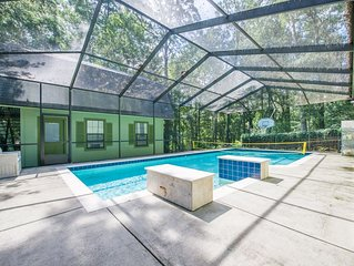 Family Fun in the Tallahassee sun! Pool / Lake / Private Balcony / Woodlands