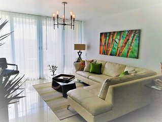 GORGEOUS 2BD/2 BATH ON THE BEACH! DESIGNER APT.LUX! BEST LOCATION.