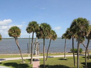 Family fishing cottage on the Indian River Lagoon w/250 ft dock and Ocean 2 mil