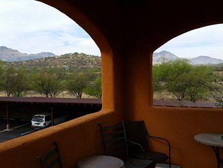 Lovely Tubac  single level  condo with Skydeck!