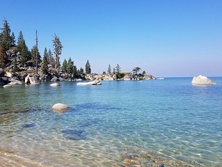 Cozy McCloud Condo - Walk to Lake Tahoe - Quiet, Updated Sleeps 4