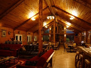 Solar & Wind Powered Lodge on 160 Acres - Big Discount for 2+ nights