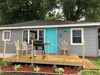 The Olivia Cottage Sleeps 10 located 5 min walk from Arnolds Park.