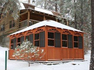 Exceptional Log Cabin (Hot Tub, BBQ, Wi-Fi, TV, Etc)