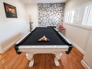 Pool Table/Movie Home - Beach/Hollywood/Universal P24
