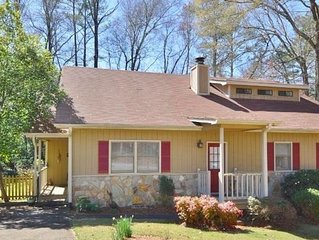 Beautiful home in great location in Athens!