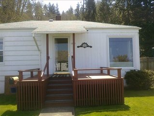 Cozy Astoria Cottage, Million Dollar View, Affordably Priced!