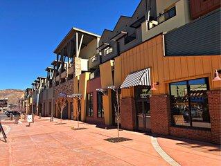 2BR/2BA Condominium (Newpark Terrace)