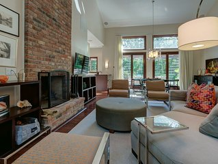 Gorgeous Home in Secluded Wooded Area 15 mins from East Hampton Village