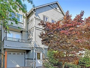 Beautiful 3BR townhouse near UW & Downtown! Charming, Cozy, Bright!