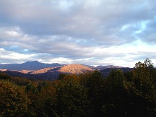 Beautiful Smoky Mountain Home 2/2 BB Amazing View!