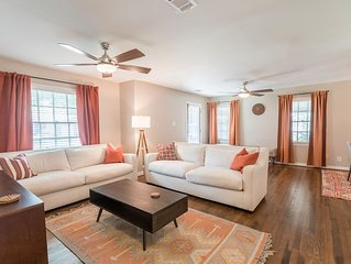 Beautifully Furnished home, Conveniently located near TCU!