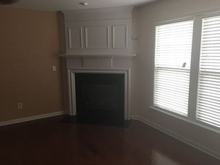 Minutes from Hartfield Jackson Airport/ Downt Town Atlanta