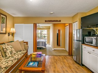 Surfer's Dream Condo w/ Full Kitchen - Free Wifi & Cheap Parking Sleeps 4