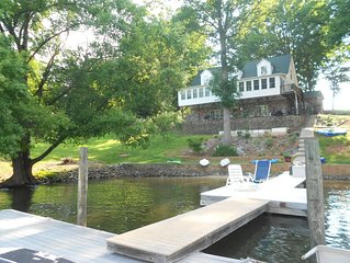 Charming Lake Norman Home (Lower Level) with Private Slip, Kayaks & Main Channel
