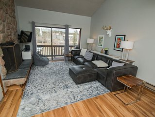 Get more than you pay for! Freshly updated condo on the ski bus route.