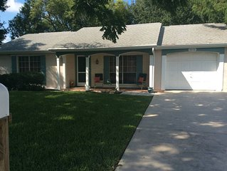 Lakefront home,close to beaches, Tampa/St. Pete/Clearwater, Dog friendly, cozy
